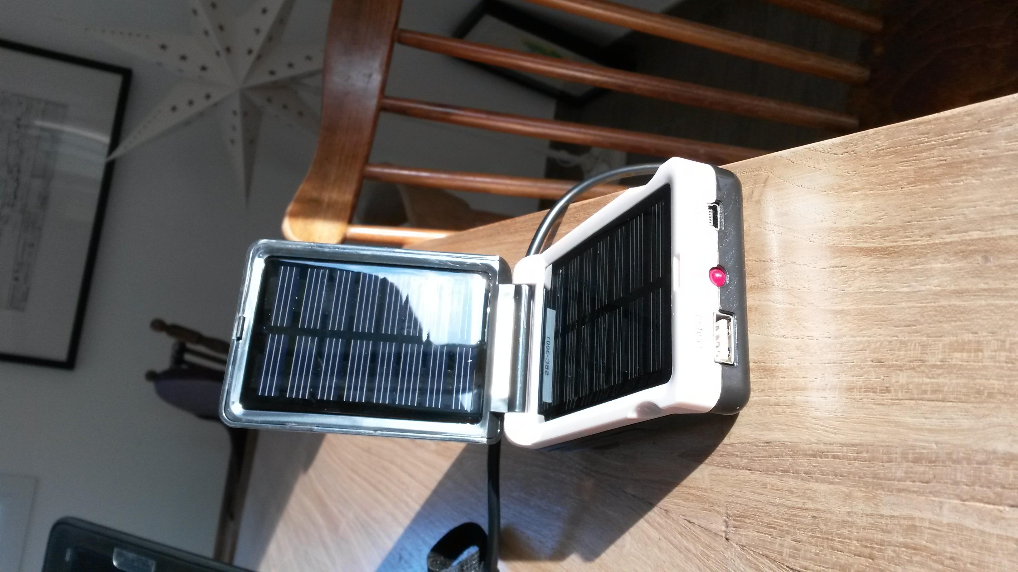 camelion chargeur solaire sbc 3001 construction de notre. Black Bedroom Furniture Sets. Home Design Ideas