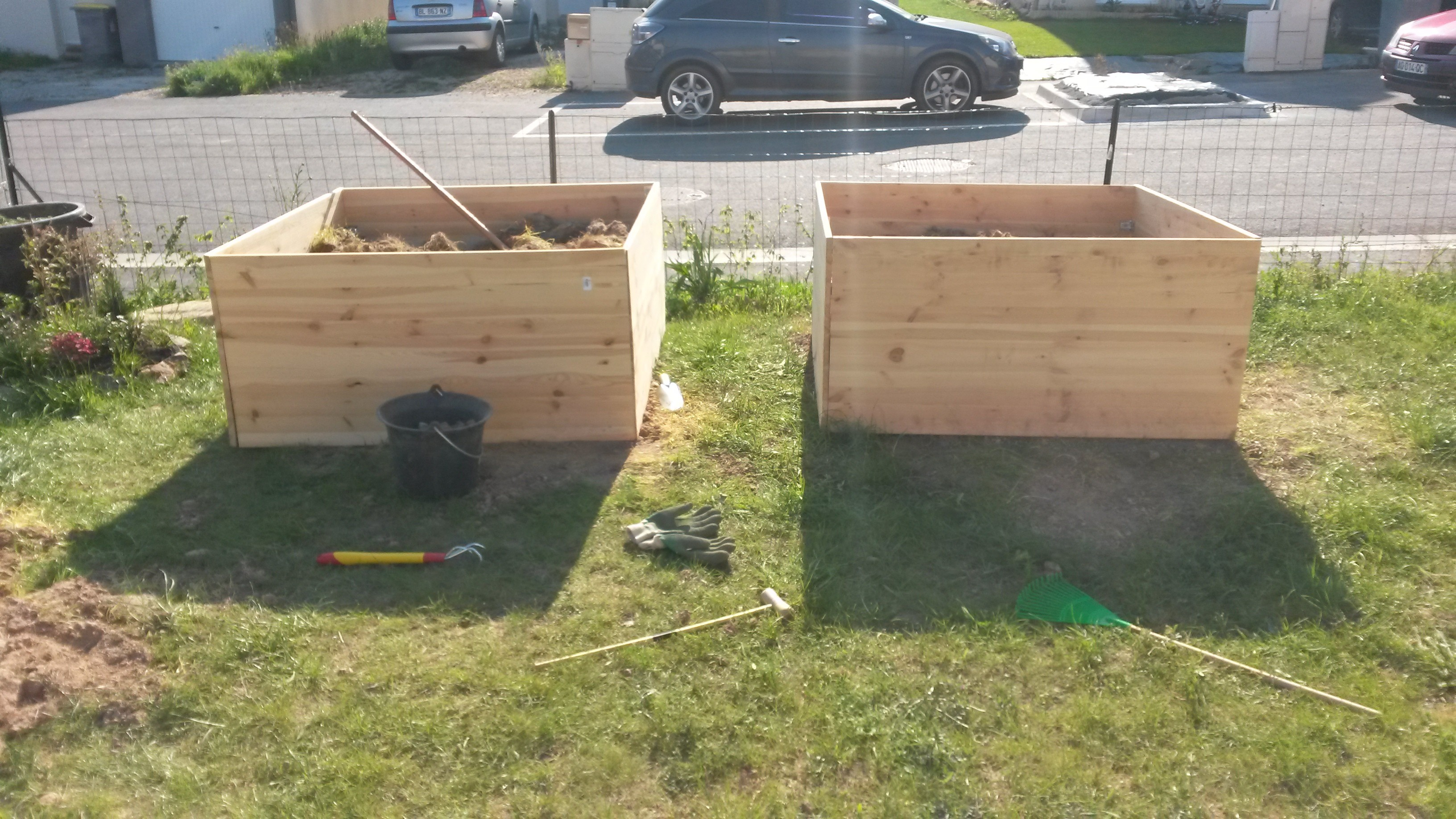nos potagers au carr diy fait maison notre maison rt2012 par trecobat. Black Bedroom Furniture Sets. Home Design Ideas