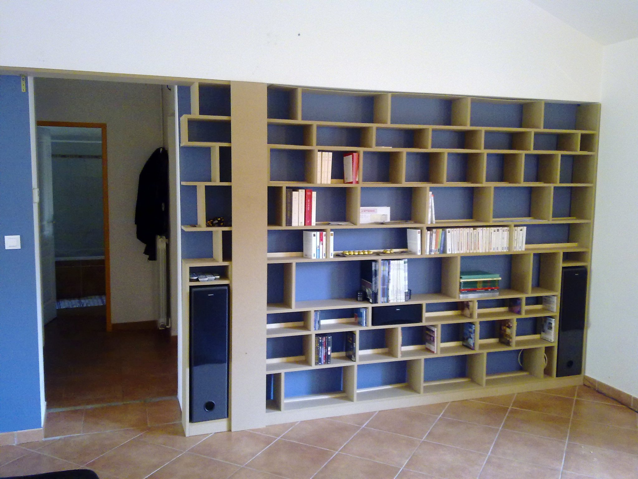 construire sa biblioth que sur mesure construction de notre maison rt2012. Black Bedroom Furniture Sets. Home Design Ideas
