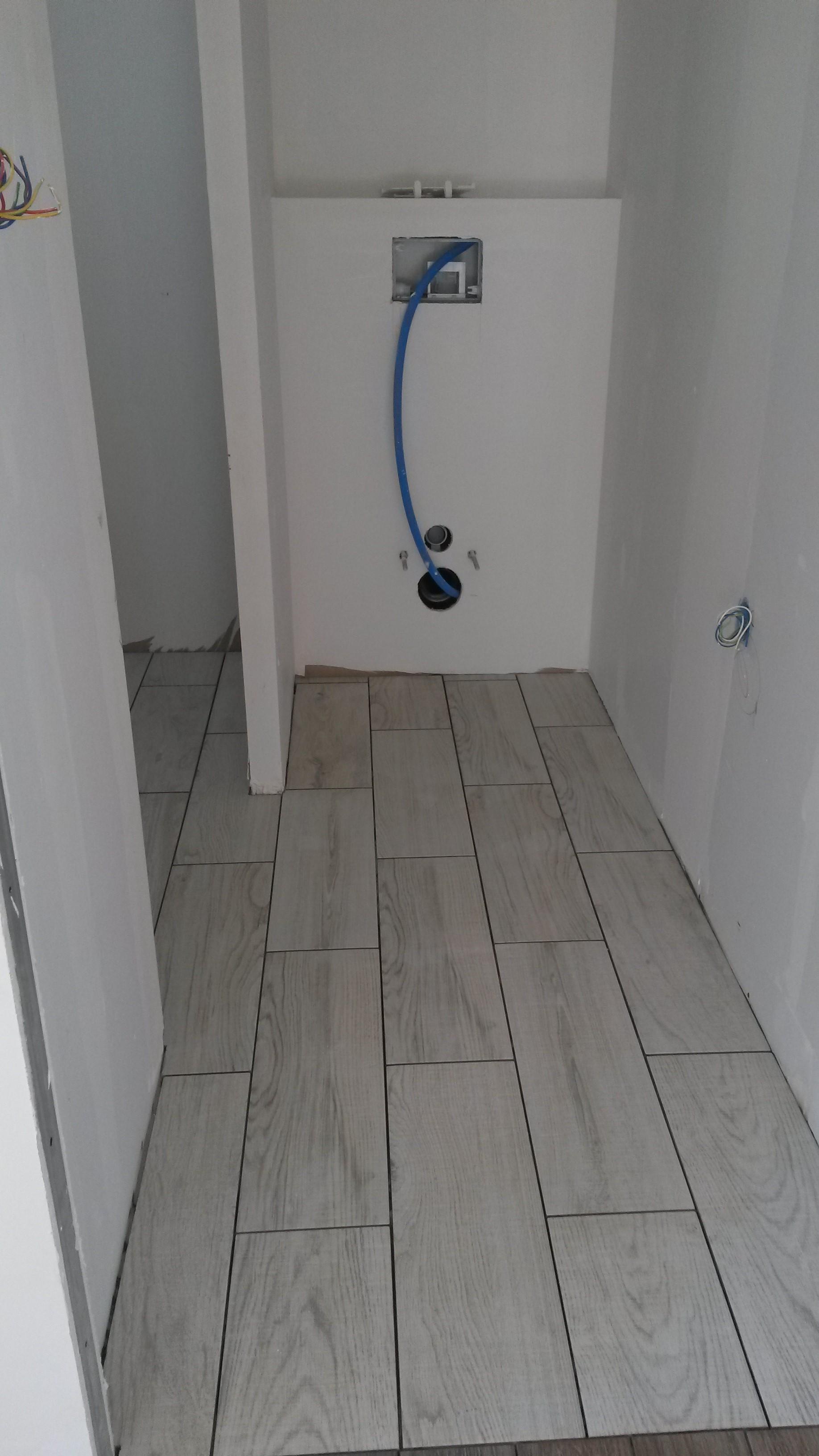 Salle de bain parquet carrelage - Parquet flottant pour salle de bain ...